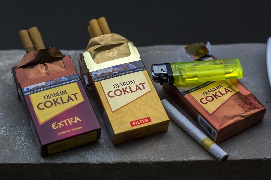 https://www.ciggiesworld.ch/wp-content/uploads/2017/07/Djarum-Coklat-Kretek-Clove-Cigarettes-Variants.jpg